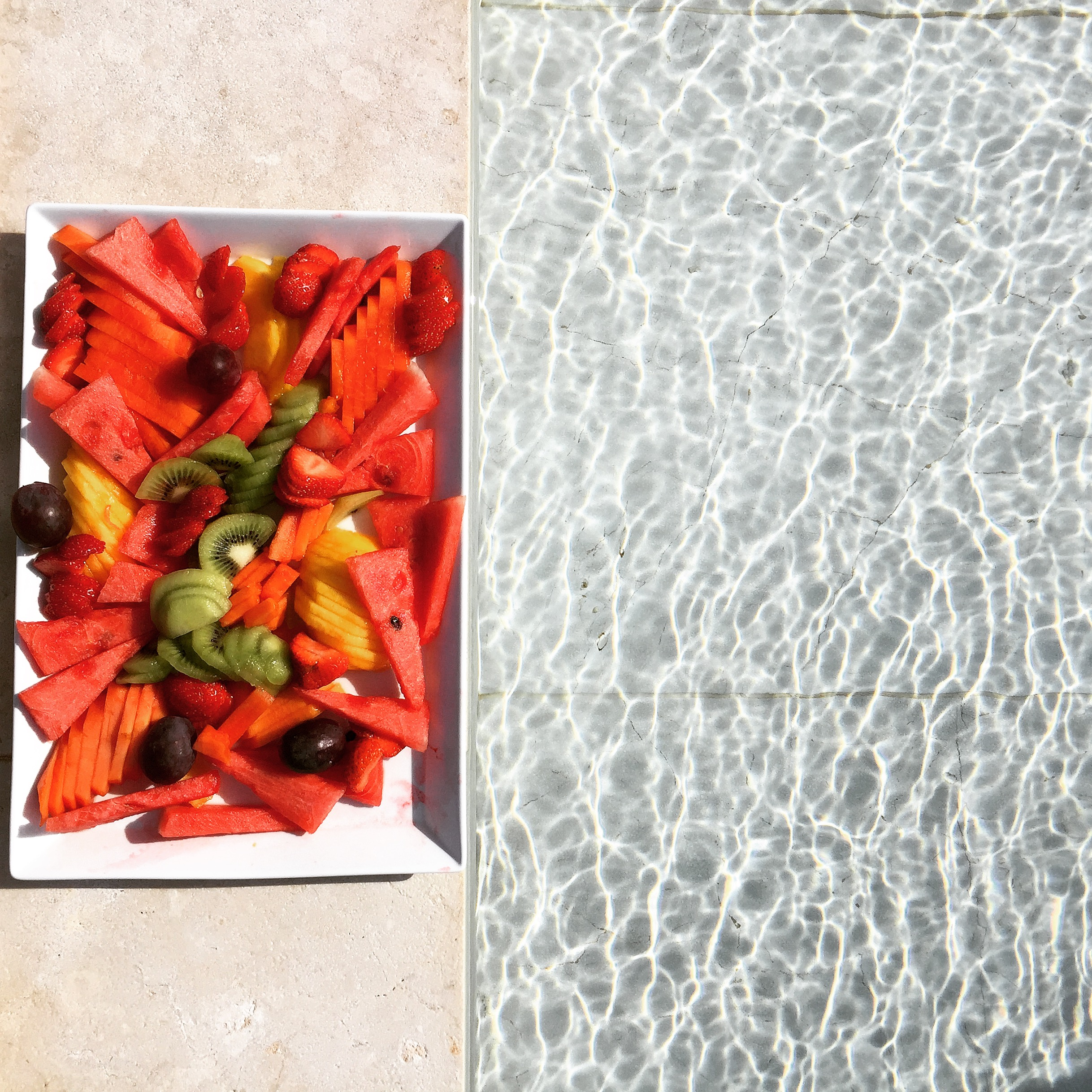 _ilcarritzi_formentera_ibiza_mediterraneo_lifestyle_fruit_swimming_pool_