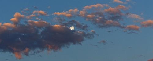 usa moon clouds sunrise colorado luna handheld dxo lunar allrightsreserved pinkclouds cherrycreekstatepark ef70200mmf4lis canon5dmkiii ef14xtciii copyright2015davidcstephens dxoopticspro104 z5a0356dxosrgb