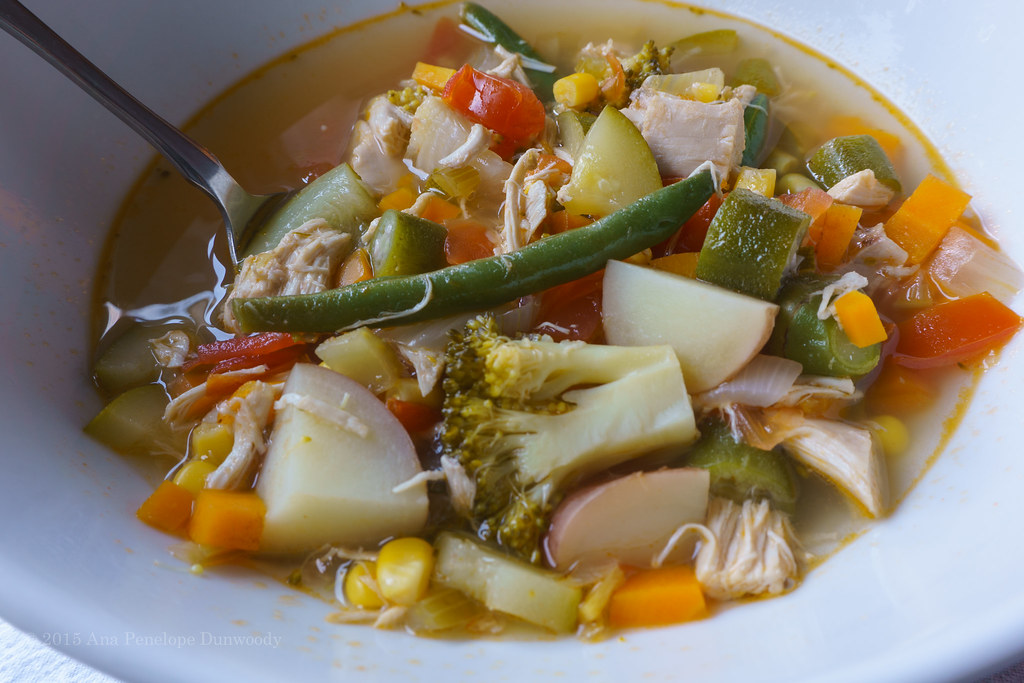 Hearty Vegetable Soup w:Chicken