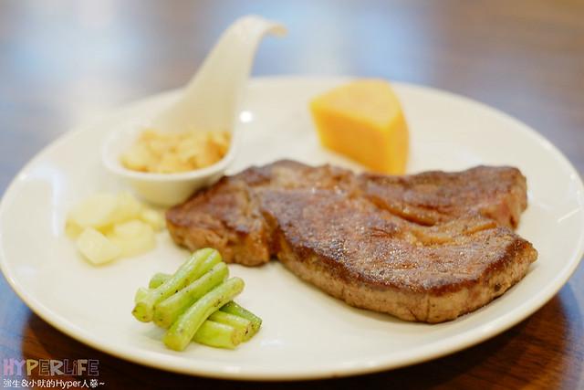 20396566551 004ae189e3 z - 【熱血採訪】牧穀禾牛牛排麵,可同時享受Prime等級牛肉麵與牛排喔!