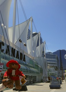 Canada Place 의 이미지. bear roof stuffedtoy vancouver toy uniform teddy sails canadian stuffedanimal rcmp iconic canadaplace mountie cuddlytoy paddingtonbear stuffie