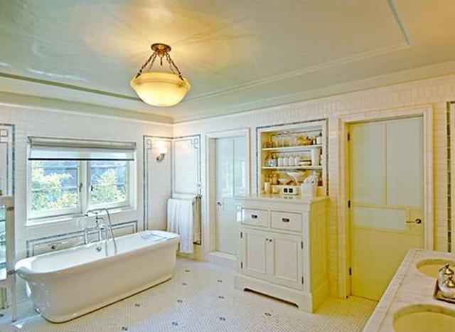 Дизайн ванной комнаты в доме Джейсона Стейтема