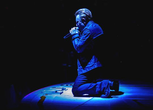 Bono, comfort me (540x387)