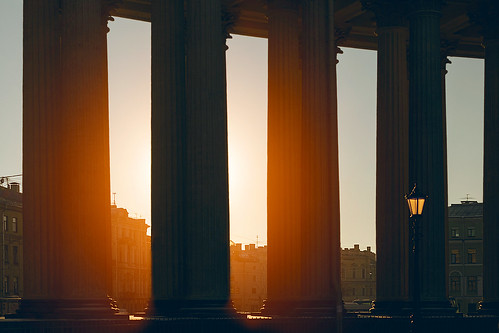 architecture sunlight petersburg sanktpeterburg russia ru sunshine mother sunny building cathedral church closeup landmark vintage saint light colonnade sun religion soft focus sunset lantern kazan column detail tall