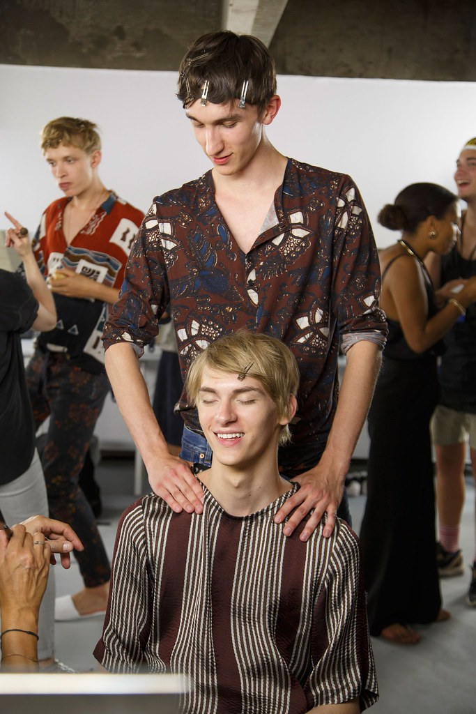 Dominik Sadoch3392_SS16 Paris Dries Van Noten_Michael Bernasiak(fashionising.com)