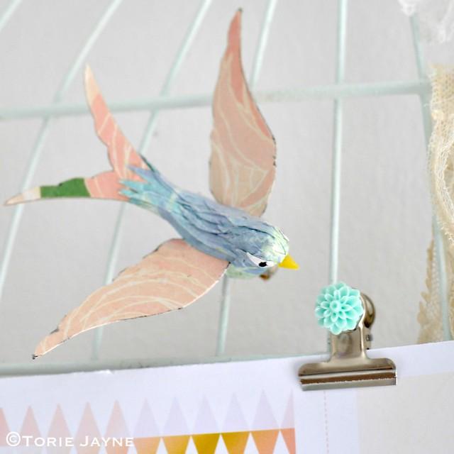 Pretty paper bird