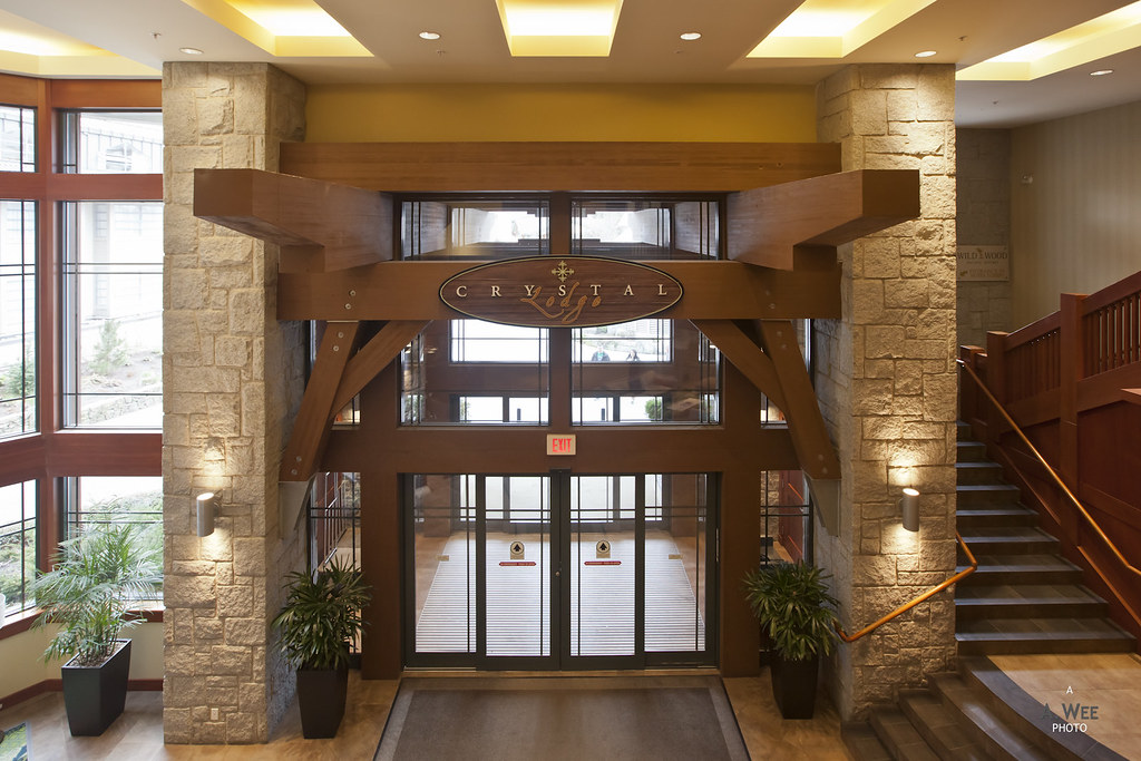 Entrance to the hotel