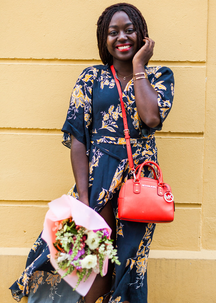 lois-floral-84  fashion week street style