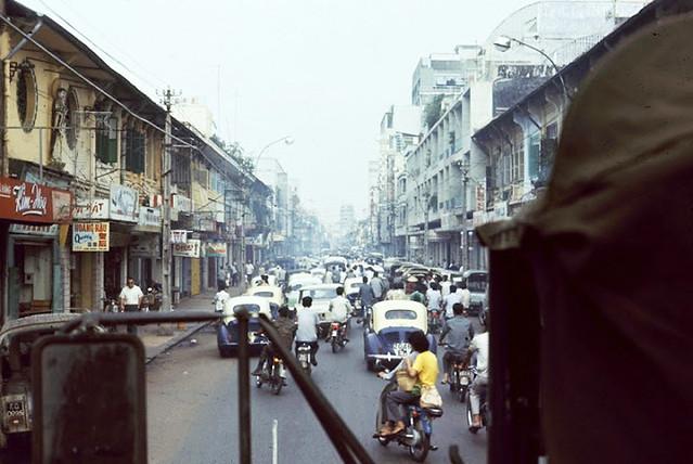 Street scene, Saigon, c.1969 - Đường Đồng Khánh - Photo by Brad