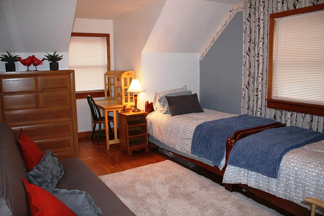 Guest bedroom; double futon;