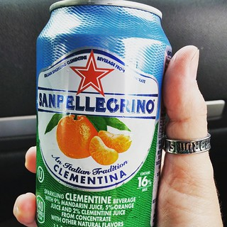 How is it that I never tried this before? Delish!!! #sanpellegrino #clementina #italiansoda #drinkstagram #yumo #refreshing #instadrink #foodie
