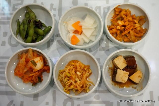 20109203345 2704b41cbf o - 【台中北區】非常石鍋-平價韓式料理,近親親戲院,吃完還可以看個電影
