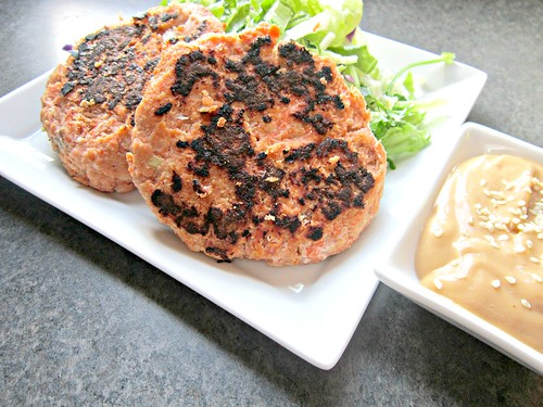 Hoisin Salmon Cakes with Spicy Ginger Mayo