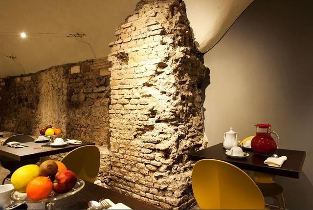 """ROMA ARCHEOLOGICA & RESTAURO ARCHITETTURA. FORO DELLA PACE [Ambiente A.1 (2009)]: Le indagini archeologiche presso """"Hotel de Rome, Largo Corrado Ricci, numero 36."""" = ex-CASA nn. CXV, 'Arciconfraternita dei Pellegrini,' (15 al 17 ° secolo) [2012 & 2014]."""
