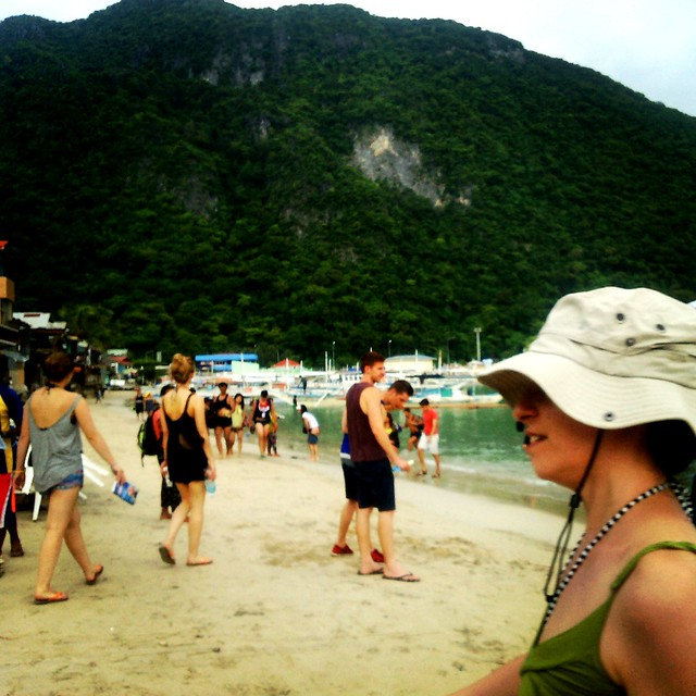 Tourists at El Nido Beach :)  #ElNido #Palawan #TroyKolokoy
