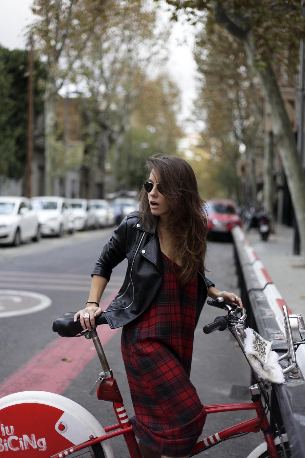 016_vestido_lencero_cuadros_zara_influencer_theguestgirl_barcelona