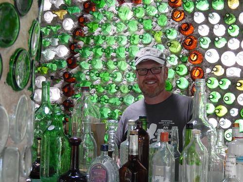 Cap-Egmont - bottle houses - 2