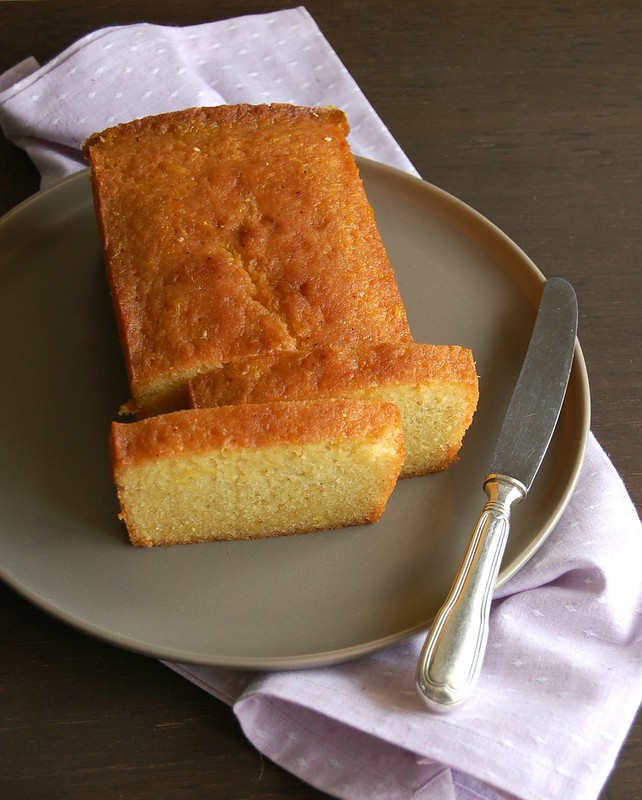 Orange and rosemary cake / Bolo de laranja e alecrim