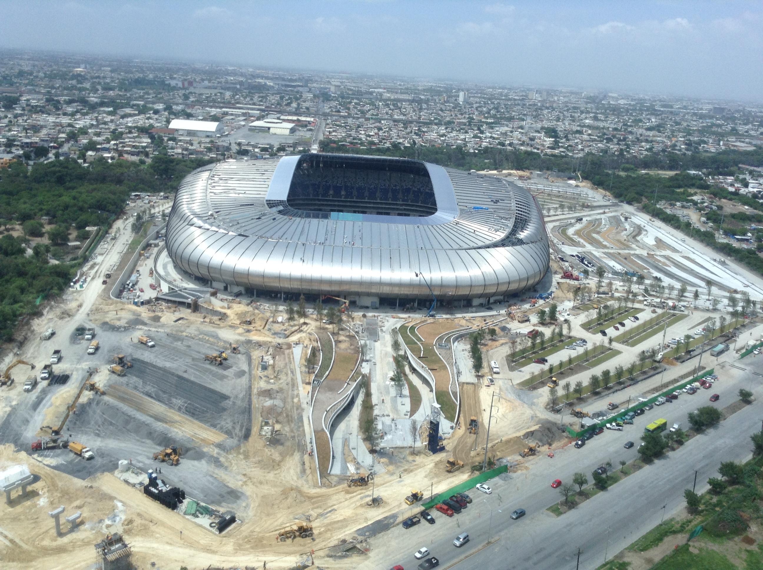 Bancomer: Estadio BBVA Bancomer (53,500)