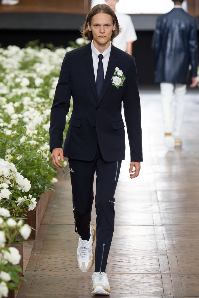 Ryan Keating3110_SS16 Paris Dior Homme(VOGUE)