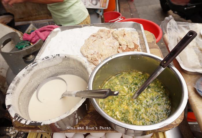 18407696128 36bfd27390 b - 謝氏早點,台中人的老味道,麵糊蛋餅與肉排三明治,台中火車站附近