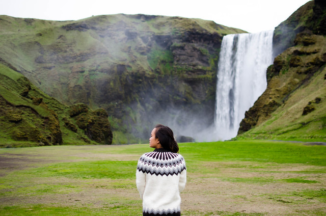 skogafoss-sweater-0685 (1)