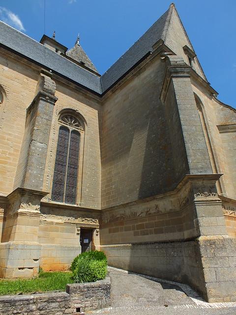 L'église Saint-Pierre à Assier (bourg)