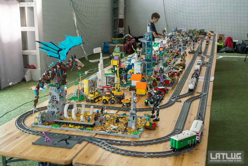 Event report: Latlug LEGO display at UNICON 2015 - LEGO Events and ...
