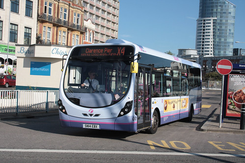 First Hampshire and Dorset 47582 SN14EBX