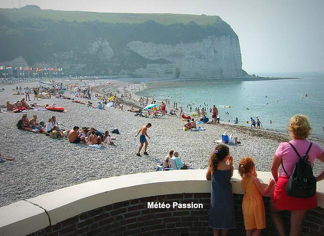 """ambiance """"Côte d'Azur"""" sur les plage des côtes de la Manche lors de la canicule d'août 2003 météopassion"""