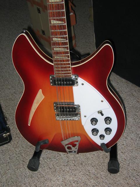 Photo:Rickenbacker body By banjo d
