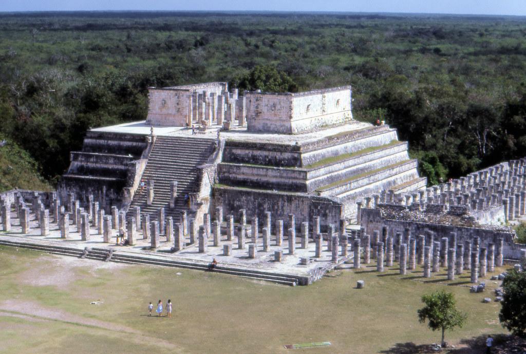 Templo de los guerreros, Chichen Itza,  ruinas mayas, Mexico