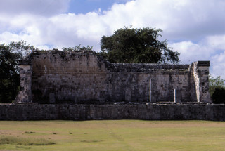 can8602_39, The Great Ball Court and Temple of the Jaguars, Chichen Itza, Maya Ruins, Yucatan Peninsula, Mexico
