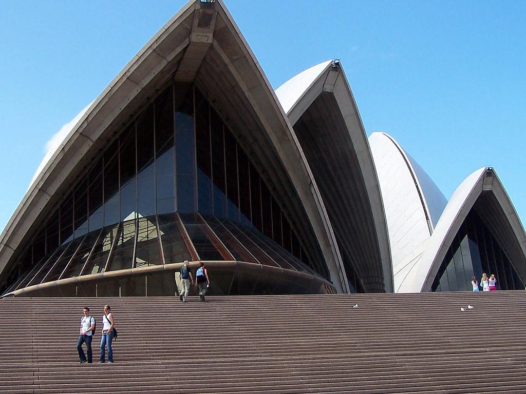 Sydney Opera House Campervan Finder