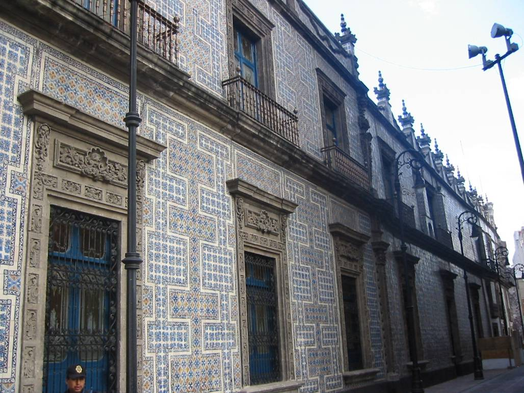 Casa de los azulejos the house of tiles mexico city a for Casa de los azulejos en mexico