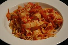spaghetti alla puttanesca(0.0), bucatini(0.0), spaghetti(0.0), penne(0.0), penne alla vodka(0.0), produce(0.0), pici(0.0), pappardelle(1.0), pasta(1.0), pasta pomodoro(1.0), bolognese sauce(1.0), fettuccine(1.0), food(1.0), dish(1.0), carbonara(1.0), cuisine(1.0),