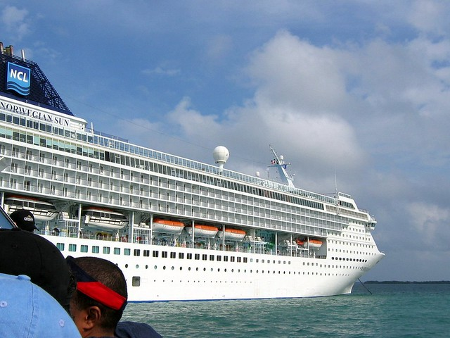 Starboard side of cruise ship - What side is port and starboard on a boat ...