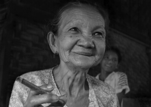 old woman w cheroot (Source: daniel n. reid)
