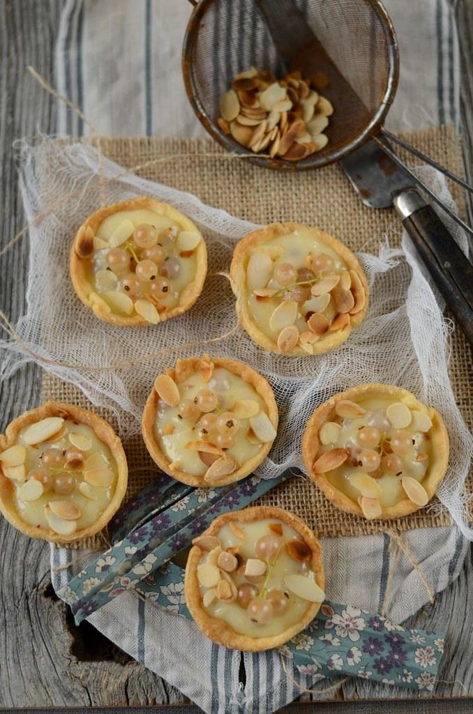 Tartelettes au chocolat blanc et groseilles blanches