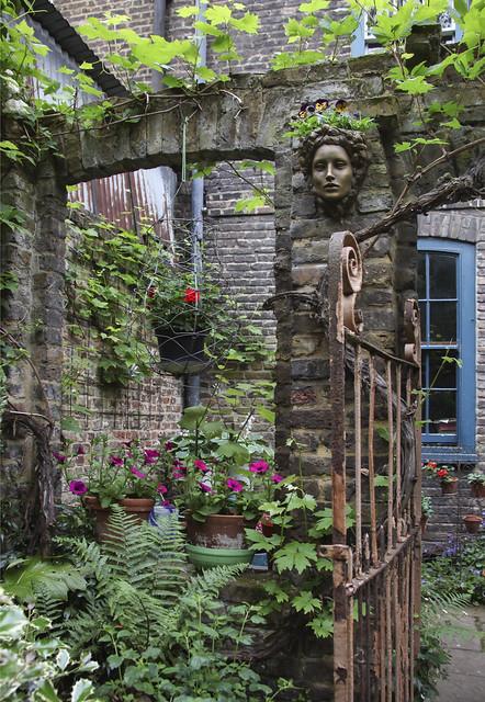Spitalfields Gardens Group - garden3