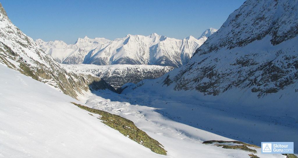 Oberaletschhütte Berner Alpen / Alpes bernoises Switzerland photo 02