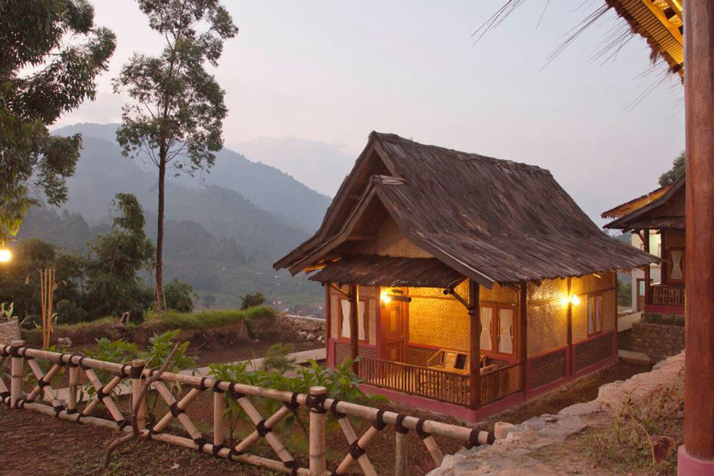 Sawung Gawir Restaurant and Bungalow - Tripcanvas