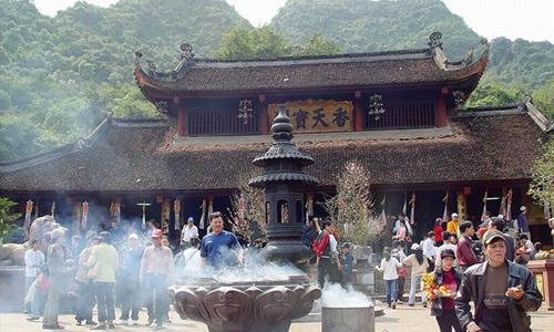 Những kiêng kỵ khi bạn lên chùa lễ Phật