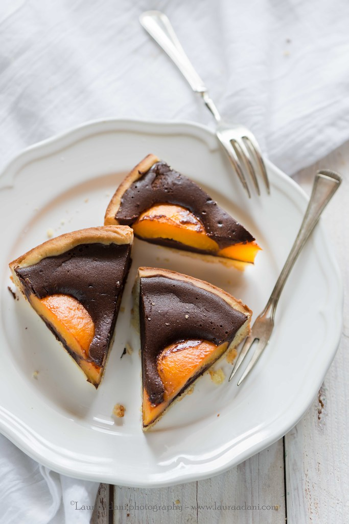Apricot and chcolate tarte