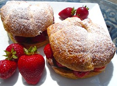 EASY DOES IT # 27 – STRAWBERRY CROISSANT