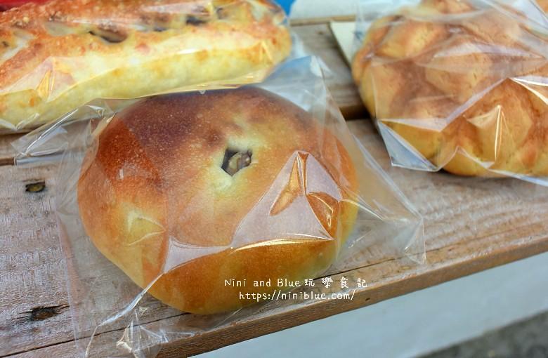 台中景點.柳川麵包彩繪屋.柳川麵包店.文學館旁18