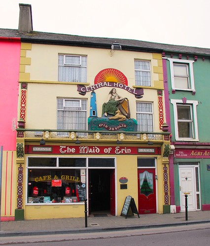 street ireland roof irish building window wall architecture cafe kerry grill rendering listowel centralhotel plasterer themaidoferin hww canong11
