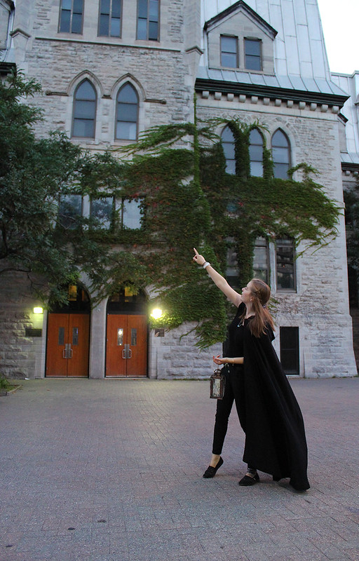 Image of a haunted walk Ottawa tour guide during guided tour