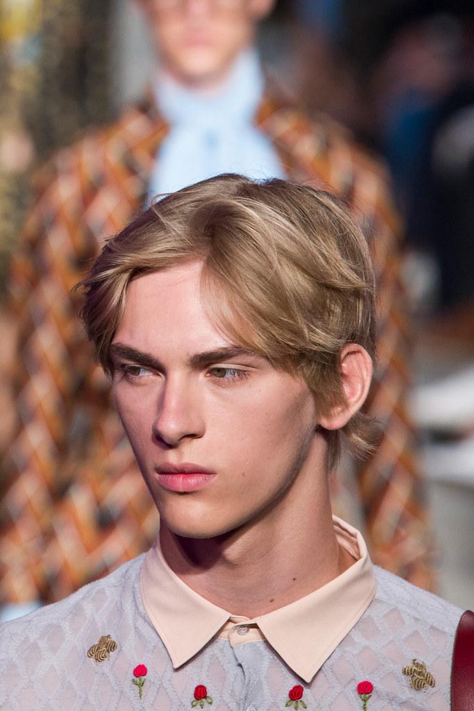 Dominik Sadoch3336_SS16 Milan Gucci(fashionising.com)