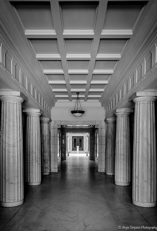 hallway to shedd (1 of 1)